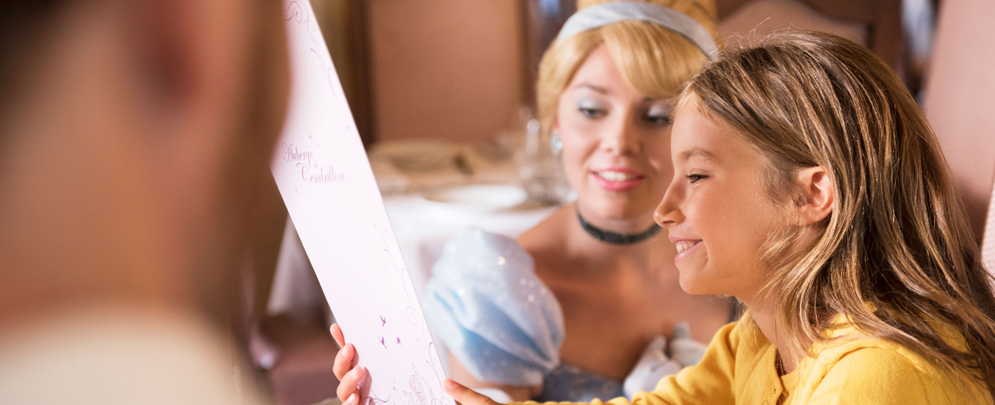 lunch or dinner with disney® princesses